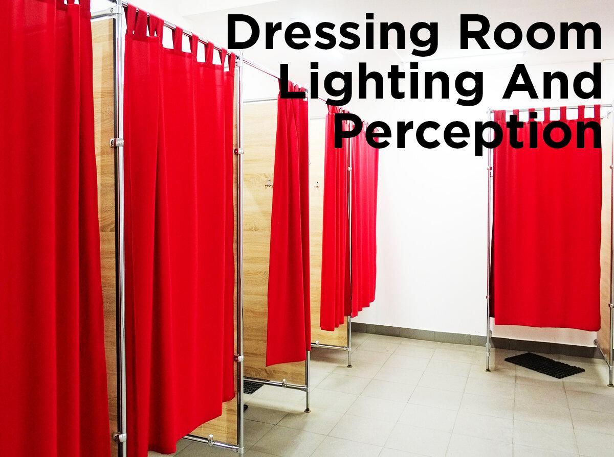 Ilumine con la luz adecuada a sus clientes y su ropa. Lea nuestra entrada del blog, Iluminación de vestuarios y percepción...